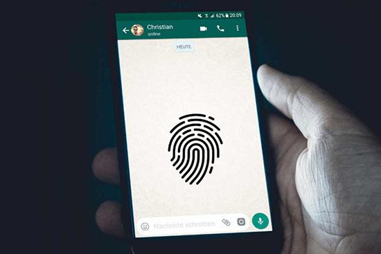 Как установить и отключить вход по отпечатку пальца в WhatsApp